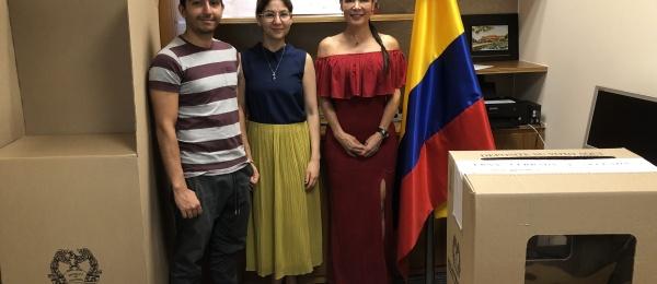 Inició la jornada electoral presidencial 2018 para la segunda vuelta en el Consulado de Colombia en Hanói